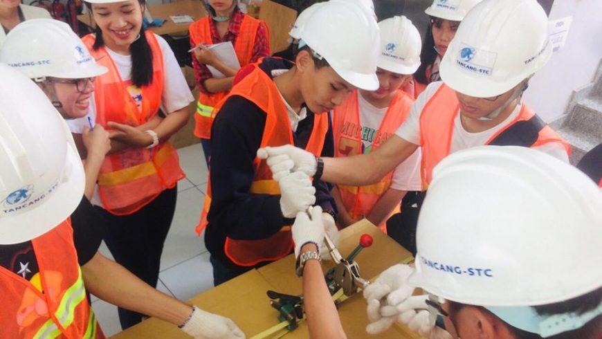 """Tân Cảng – STC đã hoàn thành khoá học """"Tổng quan Xuất nhập khẩu"""" cho các bạn sinh viên trường Đại Học Cần Thơ."""