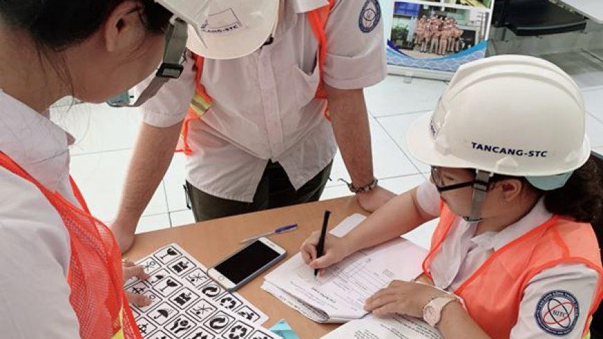 """Tuần qua, Tân Cảng – STC đã triển khai khóa học """"Tổng quan Xuất nhập khẩu"""" cho các bạn sinh viên trường Cao Đẳng Công Thương."""