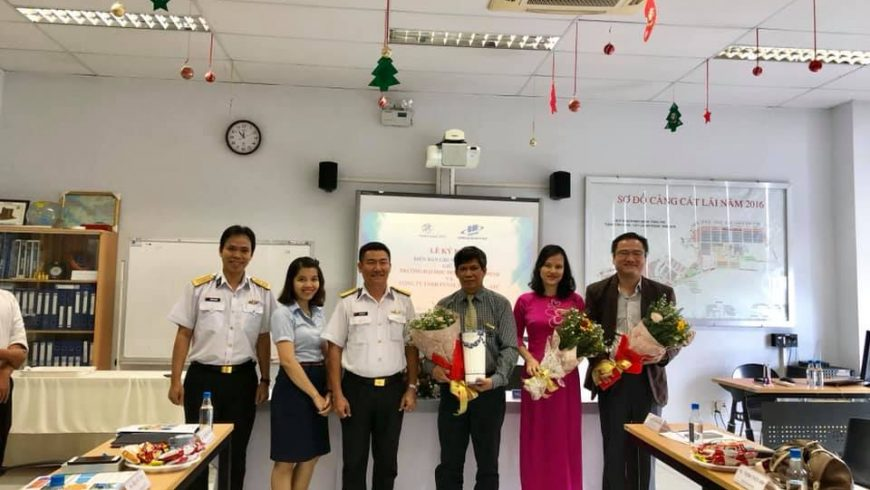 Tân Cảng-STC đã tổ chức buổi lễ ký kết biên bản ghi nhớ hợp tác cùng trường ĐH Mở Tp.HCM vào ngày 03/01/2019.