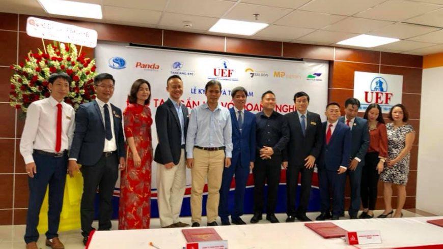 """Buổi ký kết hợp tác và toạ đàm """"Đào tạo gắn kết với doanh nghiệp ngành logistics 2019"""""""