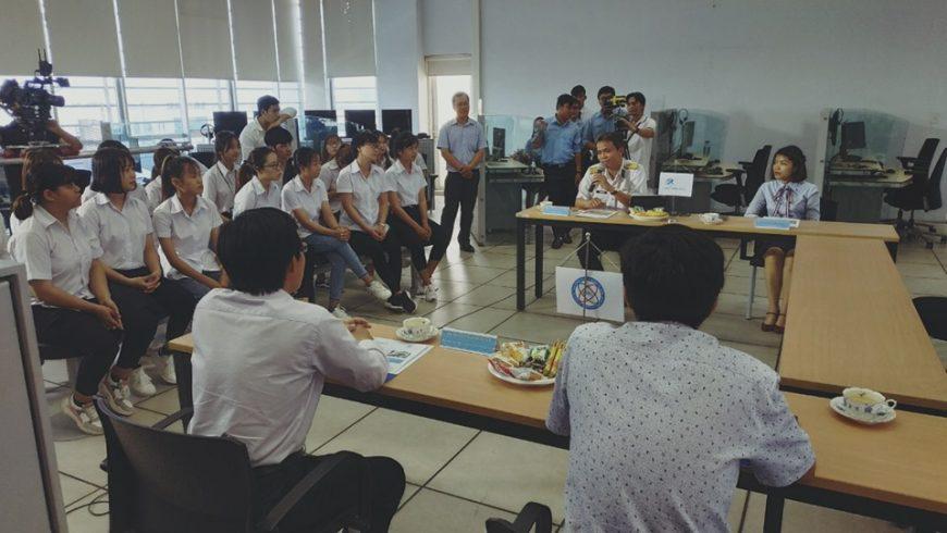 Tham gia kí kết biên bản hợp tác MOU với trường Cao Đẳng Công Thương Thành phố Hồ Chí Minh.